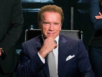 """In here, you call me Governor"" - Arnold Schwarzenegger makes 'Apprentice' debut"