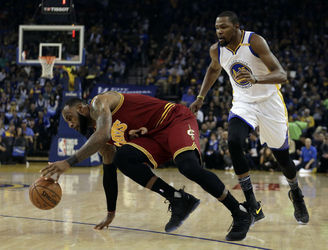 Golden State defeat Cleveland in surprisingly one-sided win