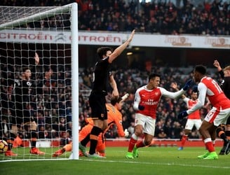Clattenburg apologised for Sanchez handball goal - Andrew Robertson