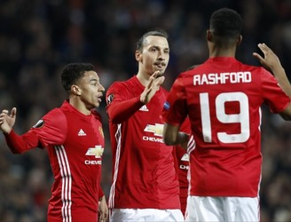 Zlatan Ibrahimovic hat-trick guides Man United past Saint Etienne