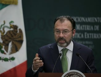 Mexico warns of trade war over Trump's wall tax