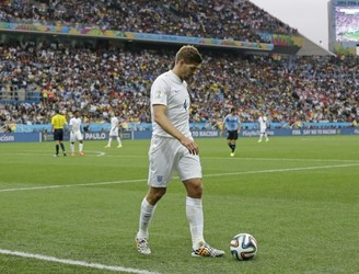 Steven Gerrard in talks to join England's coaching team
