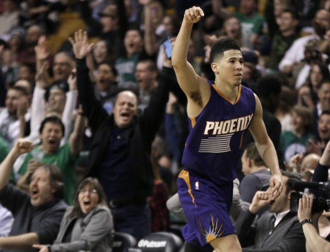 Devin Booker scores 70 points in an NBA game