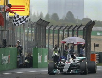 Lewis Hamilton wins the Chinese Grand Prix