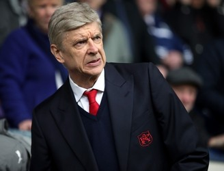 John Giles on the big risk if Arsenal bring in a director of football for Wenger