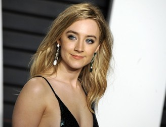 Saoirse Ronan misspelt a tattoo on Ed Sheeran − on purpose