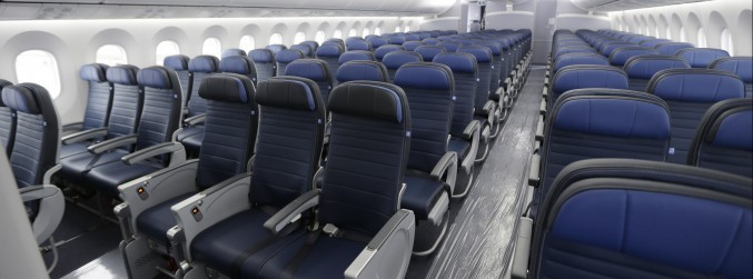 United Airlines to offer passengers over €9,000 to give up seats