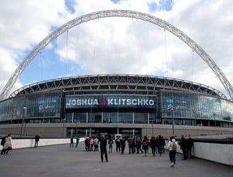 WATCH: How did Wembley transform into a boxing arena?