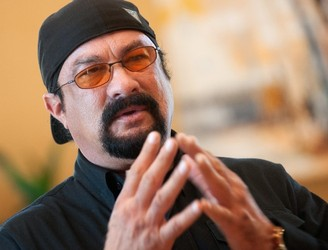 Steven Seagal 'banned from Ukraine' for five years