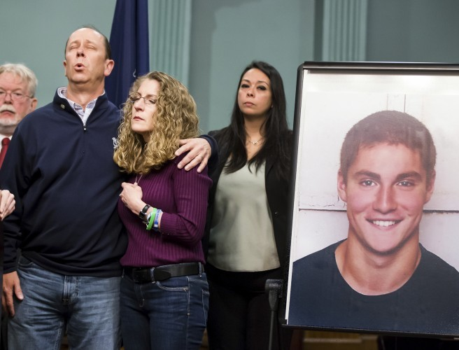 US university fraternity brothers facing 850 charges in death of pledging student