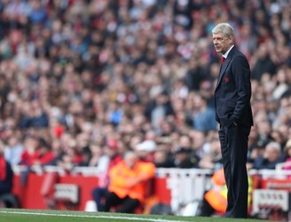 "Arsene Wenger bats away talk of ""restructure"" within Arsenal"