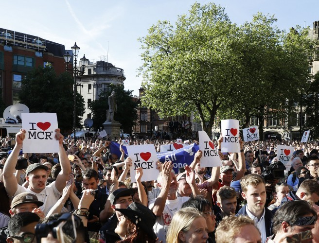 """A show of unity"" - Thousands attend vigil in Manchester"