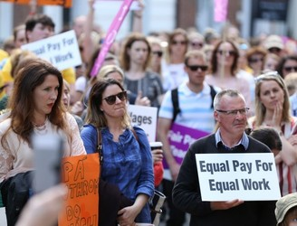 Hundreds of teachers take part in protest calling for equal pay