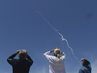 US carries out first test of long-range missile defence system