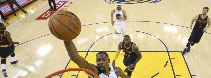 GALLERY: Golden State Warriors overcome Cleveland Cavaliers in Game 1