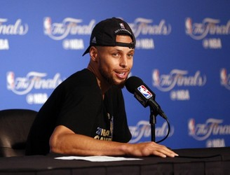 Steph Curry may skip White House visit