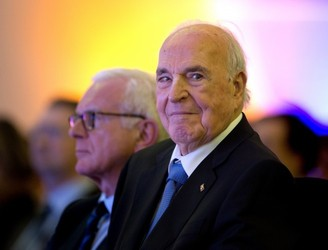 German leader who led reunification Helmut Kohl dies