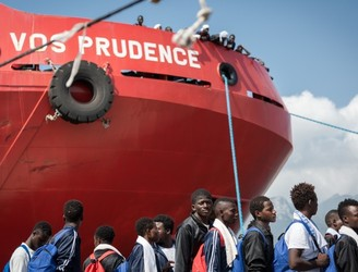 NGOs suspend migrant rescue operations in Mediterranean over security concerns