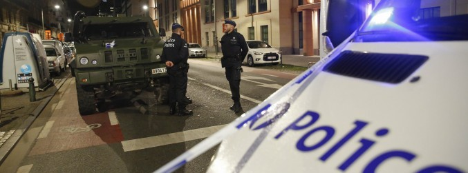 Man shot dead after attacking soldiers with machete in Brussels
