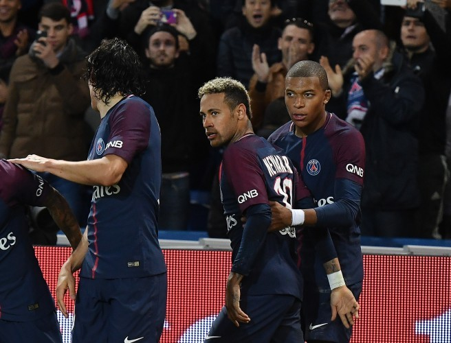 "Neymar vs Cavani: ""Apparently it took two of their team-mates to separate them before they came to blows"""