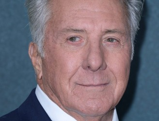 Dustin Hoffman apologises after being accused of sexual harassment