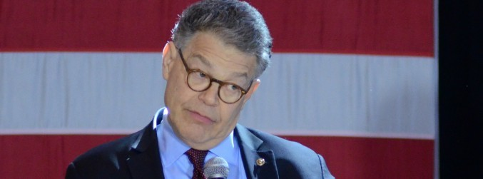US Senator Al Franken issues apology after groping allegation