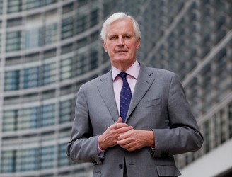 "Michel Barnier reaffirms the EU's ""strong solidarity"" with Ireland over Brexit"