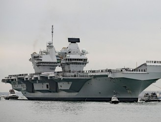 Leak discovered on UK's new €3.5bn aircraft carrier