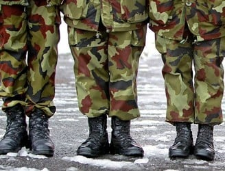Members of Defence Forces vote to accept new pay deal