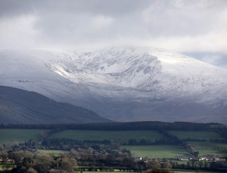 Snow and ice expected as temperatures set to plummet this evening