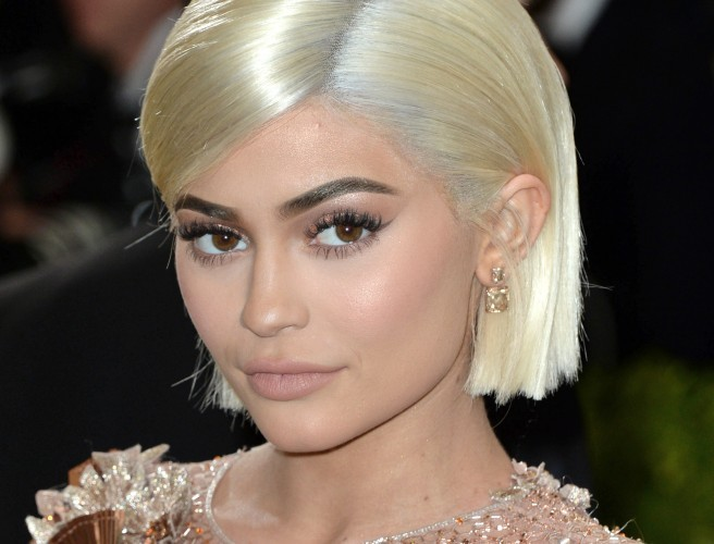 Snapchat stock plummets following single Kylie Jenner tweet