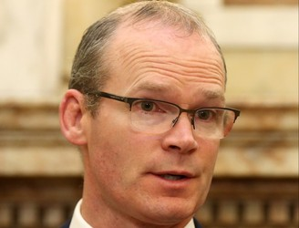 Tánaiste Simon Coveney visits Derry amid border concerns