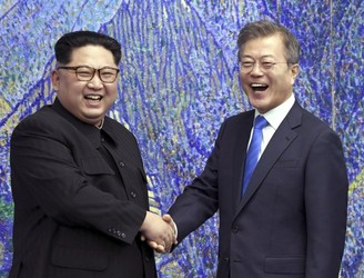 North and South Korea agree to work towards 'complete denuclearisation'