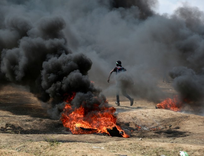 Palestinian minister delivers Israel 'war crimes' referral to ICC