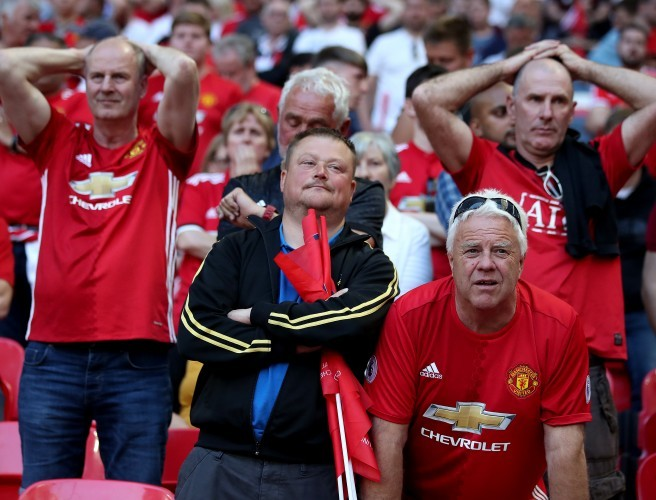 """Fans are sceptical of world-class signings"" - Andy Mitten on Manchester United's summer"