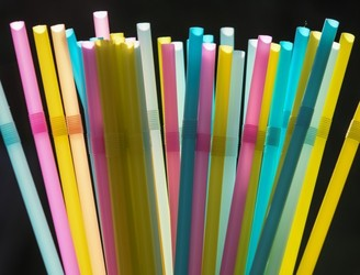 EU proposes ban on single-use plastic cutlery, plates and straws