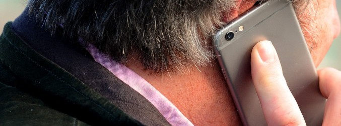 Provisional deal reached to cap price of phone calls and texts within EU