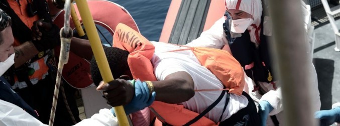 Migrants transferred off 'limbo' rescue boat in the Mediterranean