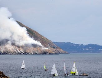 Number of houses on Bray Head evacuated as firefighters tackle gorse fire