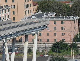 WATCH: New footage shows moments before Genoa bridge collapse
