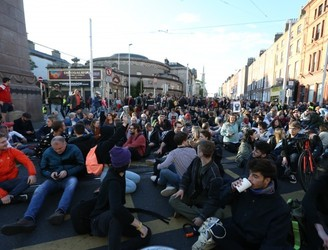 Hundreds take part in housing protest in Dublin city centre