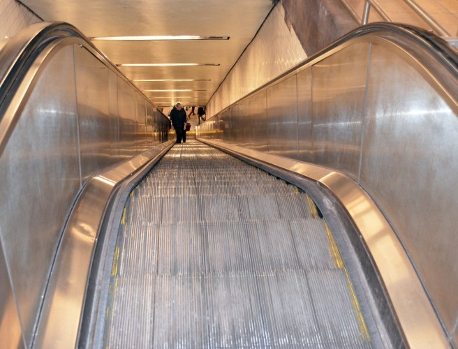 Man dies after shirt gets caught in New York subway escalator