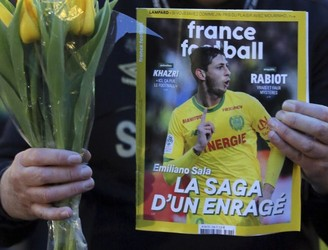 "Search for plane carrying missing footballer Emiliano Sala now a ""recovery operation"""