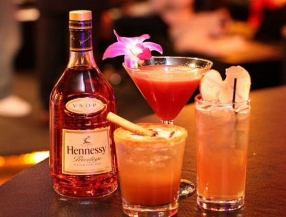 Christmas Cocktails With Hennessy
