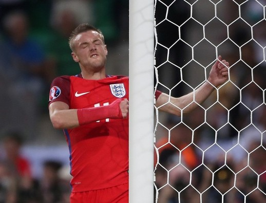 England finish Group B runners-up after stalemate with Slovakia
