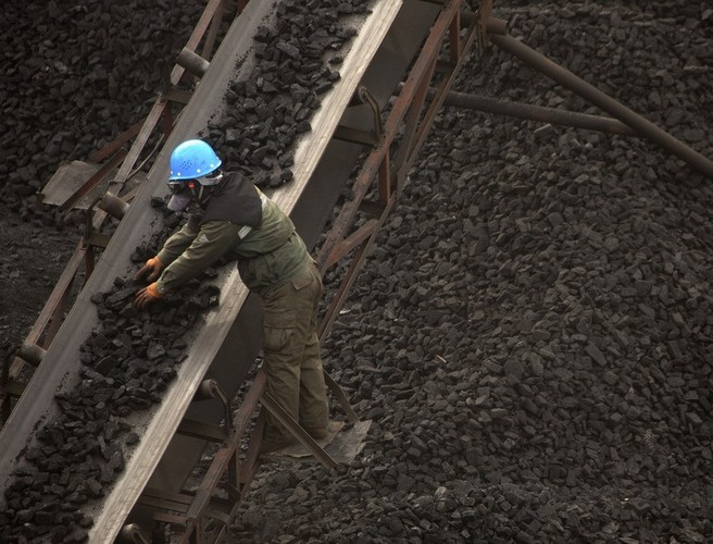 Coal mine explosion in China leaves dozens trapped