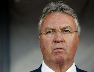 Gus Hiddink to replace Jose Mourinho until the end of the season