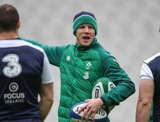 Simon Easterby dismisses Eddie Jones throwaway comments claiming Ireland kick away possession