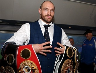 Boxing champion Tyson Fury slates Conor McGregor for tapping out at UFC 196