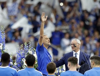 Andrea Bocelli joined in on the party at the KP Stadium
